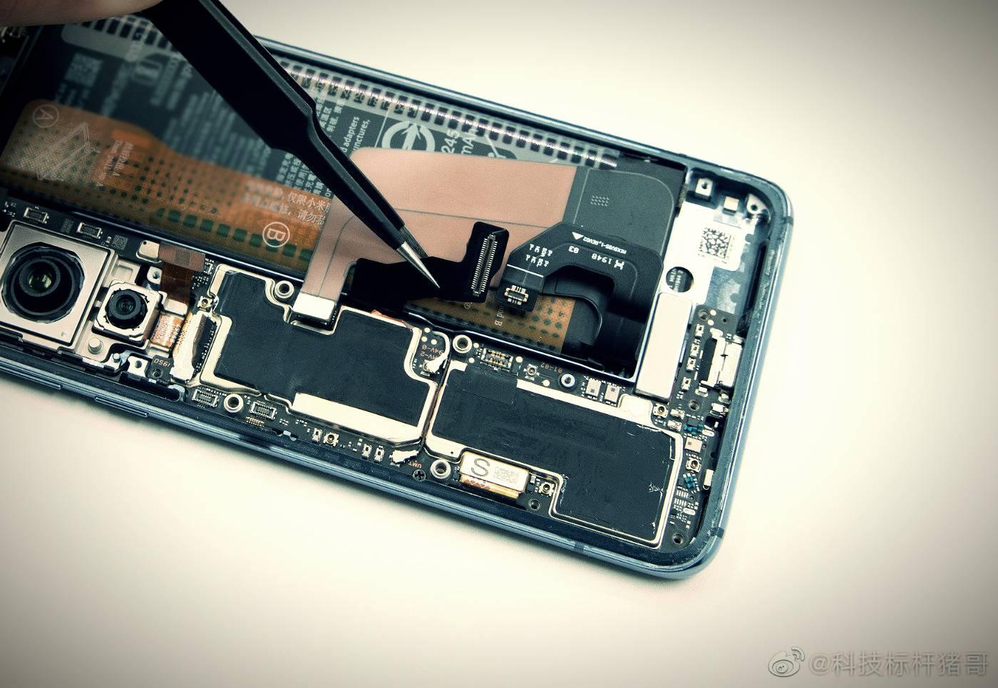 Xiaomi Mi 10 inner photo (1)