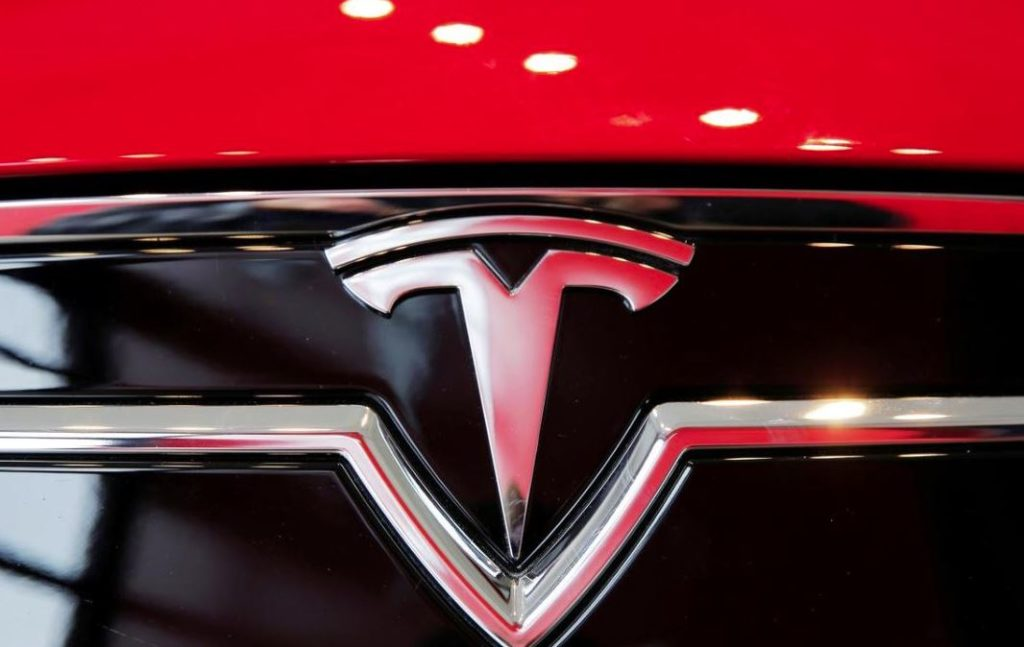 Tesla electric cars in North America fell by 6%