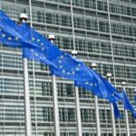 Europe demands to ban undeletable apps on smartphones